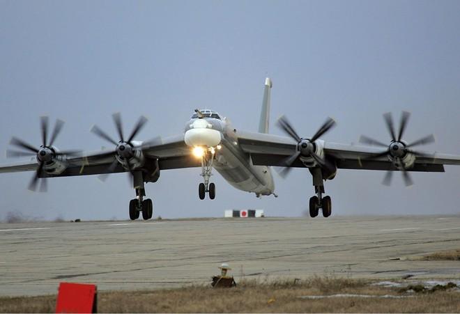 Chuyên gia Mỹ mách Nga cách biến Su-34 thành Tu-22M3 - Ảnh 2.