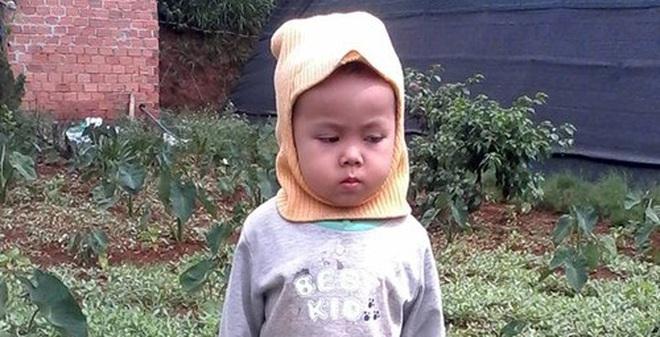 Lập bàn thờ cho con trai 3 tuổi sau hơn 1 năm mất tích
