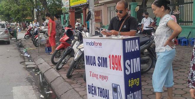 Hà Nội rộ SIM Viettel, MobiFone, VinaPhone bán dạo tặng điện thoại Nokia