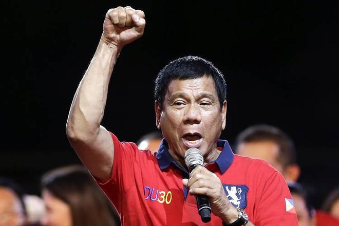 Dưới thời Duterte, Philippines sẽ dâng Scarborough cho TQ? - Ảnh 2.