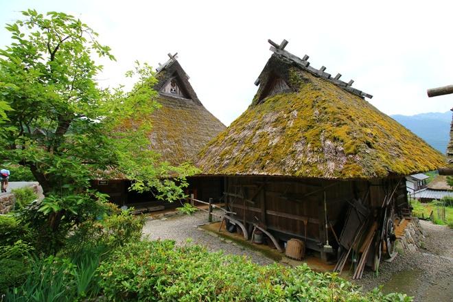 Hệ thống chữa cháy siêu xịn ẩn giấu trong ngôi làng cổ Nhật Bản - Ảnh 2.