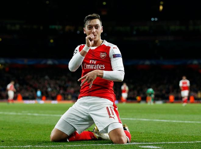 Ozil hóa sát thủ, Arsenal thắng trắng séc tennis - ảnh 1