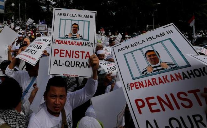Indonesia: Biểu tình rung chuyển Jakarta đòi bắt giam thị trưởng gốc Hoa, cộng đồng Hoa kiều run sợ