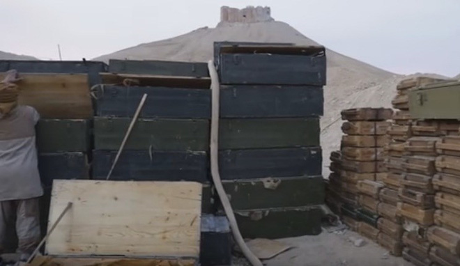 Mỹ mỉa mai vũ khí Nga bỏ lại Palmyra - Ảnh 5.