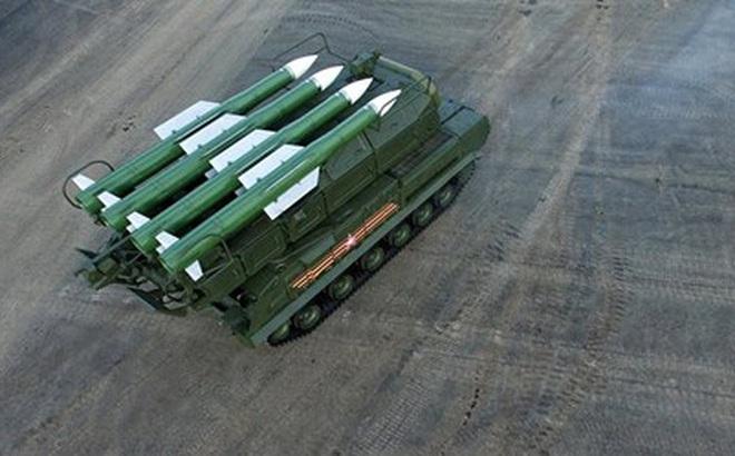 Nga đưa lữ đoàn tên lửa phòng không Buk-M2 vào trực chiến