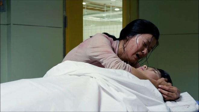 Từ vụ án nữ sinh bị 41 người thi nhau cưỡng đoạt đến bộ phim làm dư luận phải run sợ - Ảnh 3.