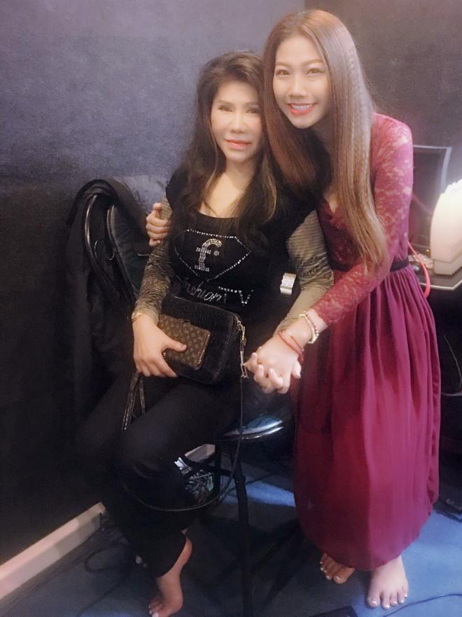 Huỳnh Mi cùng dàn nghệ sĩ nổi tiếng hát vì Miền Trung - Ảnh 5.