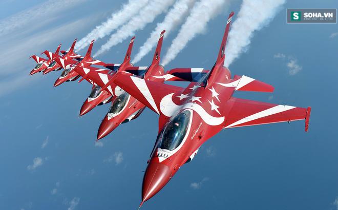 Cho Không quân Singapore thuê căn cứ để luyện tập... được tặng F-16