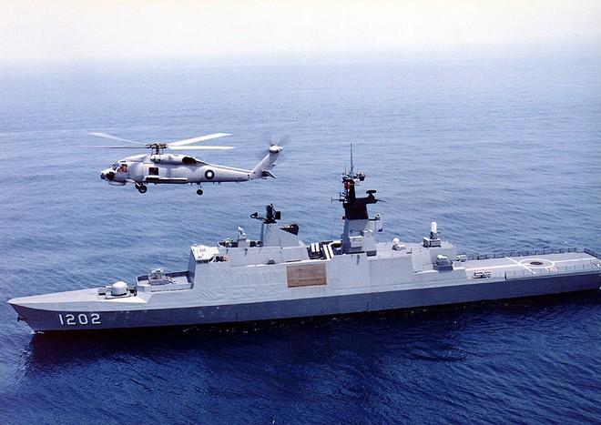 Pháp mang khinh hạm La Fayette tới Biển Đông để chào hàng VN? - Ảnh 2.