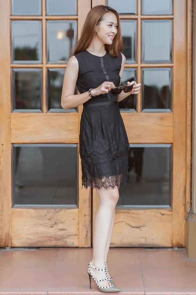 Diệp Bảo Ngọc mặc áo yếm, khoe lưng trần trên phố - Ảnh 5.