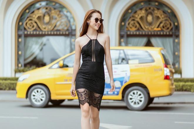 Diệp Bảo Ngọc mặc áo yếm, khoe lưng trần trên phố - Ảnh 9.