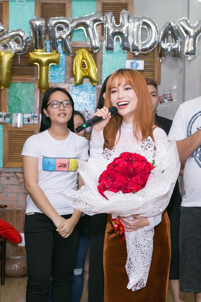 Mai Hồ gợi cảm đi dự sinh nhật Sĩ Thanh - Ảnh 1.