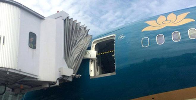 Siêu máy bay Boeing bị xô lệch cửa: Sự việc xảy ra ngoài ý muốn
