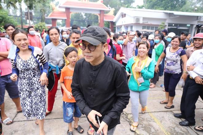 Linh cữu Minh Thuận được hỏa táng - Ảnh 3.