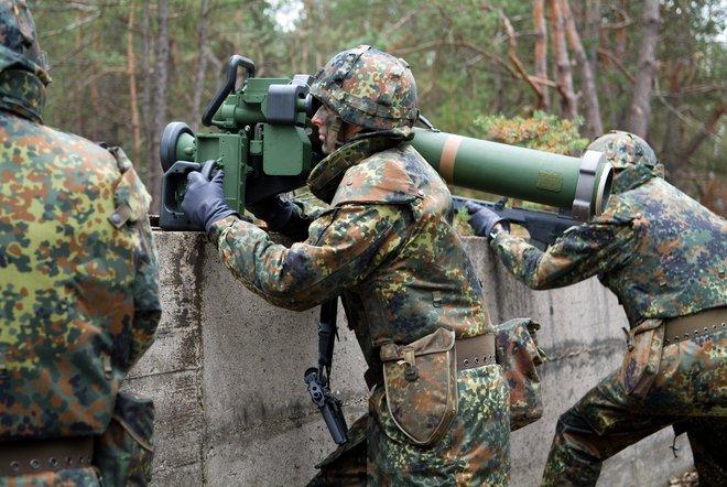 Đại tá Việt Nam: Bình luận về tên lửa chống tăng có điều khiển - Ảnh 2.