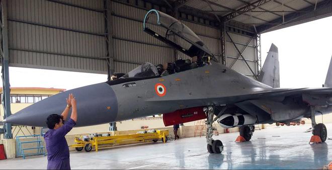 Máy bay, tàu chiến, tên lửa Ấn Độ: Luôn sẵn khi Việt Nam cần!