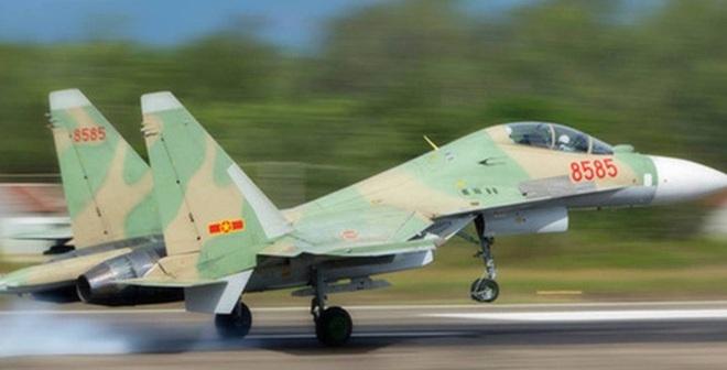 Lực lượng Hải quân Việt Nam đã hoàn thành việc trục vớt máy bay tiêm kích Su-30MK2 số hiệu 8585 gặp nạn trên biển.