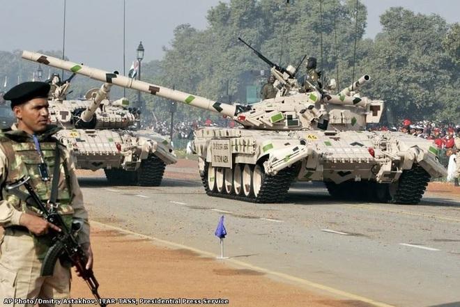 Ấn Độ sẽ cung cấp miễn phí xe tăng T-72 cho đồng minh thân thiết? - Ảnh 2.
