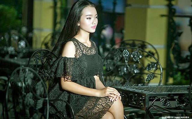 Diện mạo phổng phao của người mẫu 14 tuổi gây xôn xao làng giải trí Việt