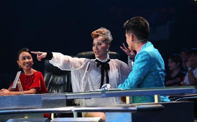 """Khánh Thi gọi thí sinh là """"con điên"""", """"thằng điên"""", BTC vội vã cắt bình luận"""