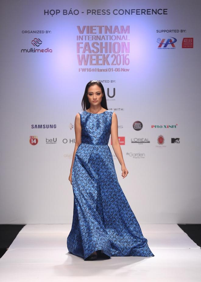 Ngọc Châu được lựa chọn mở màn Tuần lễ thời trang quốc tế - Ảnh 7.