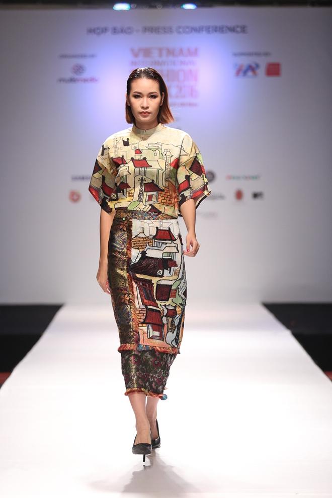 Ngọc Châu được lựa chọn mở màn Tuần lễ thời trang quốc tế - Ảnh 8.