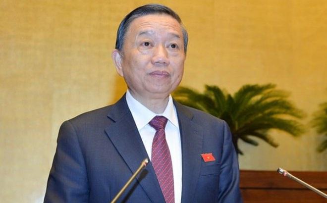 """Bộ trưởng Tô Lâm: Không chấp nhận người nước ngoài sử dụng hộ chiếu có in hình """"đường lưỡi bò"""""""