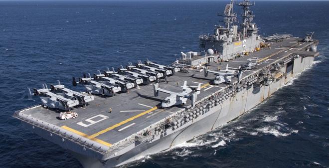 So với chiếc Mistral từng đặt mua từ Pháp, tàu đổ bộ tấn công LHA-6 America của Mỹ chắc chắn còn khiến Hải quân Nga phải thèm thuồng hơn rất nhiều.
