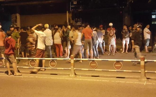 Dân bao vây hiện trường tai nạn vì nghi cảnh sát làm chết người vi phạm