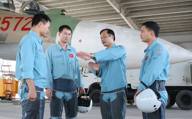 Vì sao Việt Nam mua chiến đấu cơ Nga nhưng lại cử phi công sang Ấn Độ học?