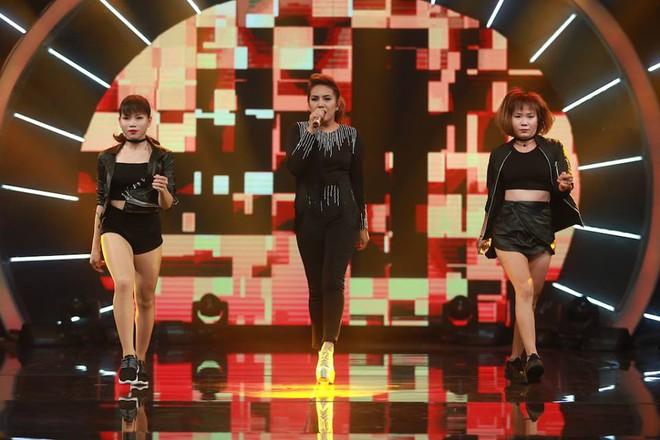 Vietnam Idol: MC Phan Anh trố mắt trước hành động lạ của Thu Minh - Ảnh 8.