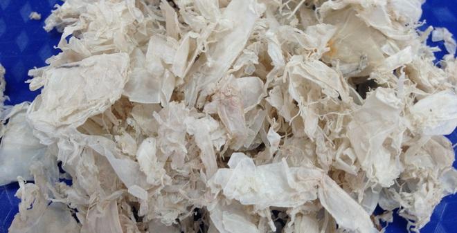 Thói quen bỏ vỏ tôm, cua, cá của người Việt là sai lầm