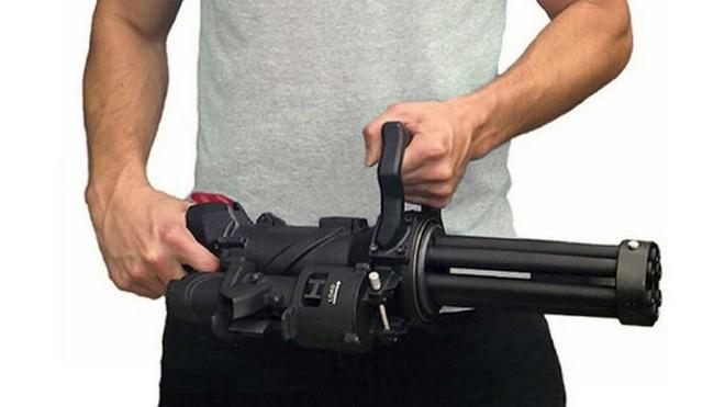 XM556 - Súng máy cầm tay nhỏ gọn nhất thế giới - Ảnh 1.