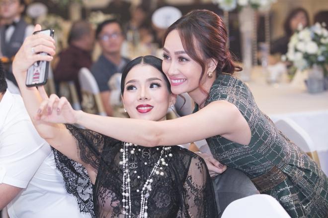 Á hậu Kim Duyên gây chú ý khi lấn sân sang làm MC - Ảnh 6.
