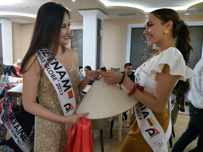 Hoa hậu Sắc đẹp Hoàn cầu: Khánh Ngân lọt Top 5 thí sinh được yêu thích - Ảnh 5.