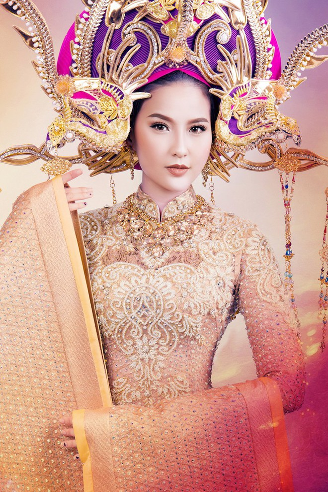 Cận cảnh trang phục dân tộc lộng lẫy của Khánh Ngân tại cuộc thi Hoa hậu Hoàn cầu 2017 - Ảnh 5.
