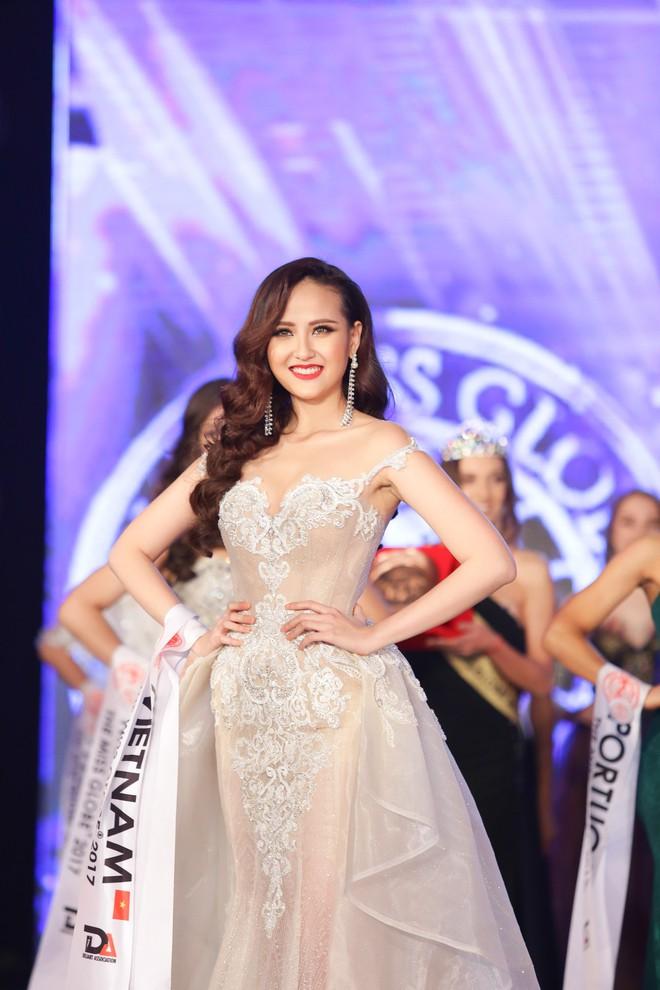 Tân Hoa hậu Hoàn cầu 2017 Khánh Ngân: Tôi lâng lâng hạnh phúc và không thể tin nổi mình làm được - Ảnh 1.