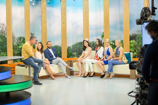 Hoa hậu Hoàn cầu Khánh Ngân rạng rỡ trên đài truyền hình quốc tế - Ảnh 4.