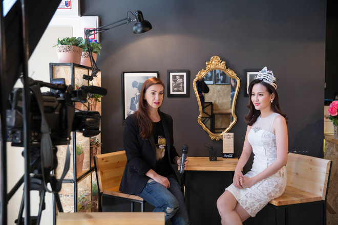 Hoa hậu Hoàn cầu Khánh Ngân rạng rỡ trên đài truyền hình quốc tế - Ảnh 8.