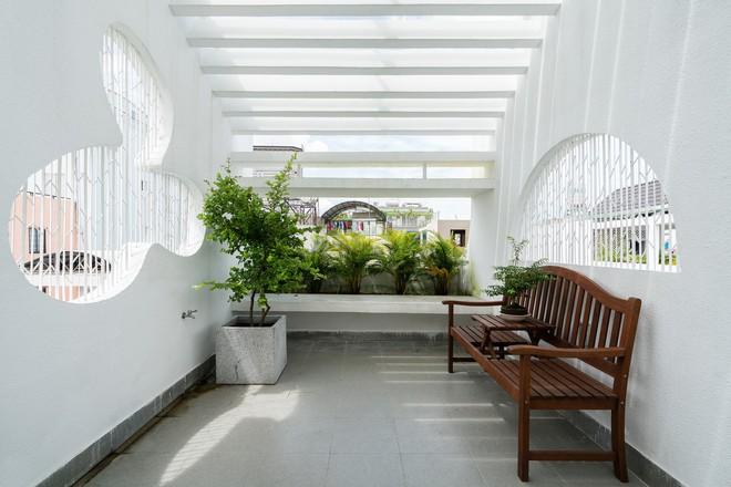 Ngôi nhà trong hẻm của người dân Tp. Hồ Chí Minh đẹp lung linh trên báo Mỹ - Ảnh 4.