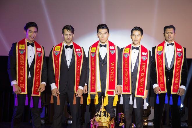 Ngọc Tình hạ gục chủ nhà Thái Lan, đăng quang Nam vương Quốc tế 2017 - Ảnh 5.