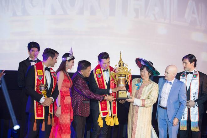 Ngọc Tình hạ gục chủ nhà Thái Lan, đăng quang Nam vương Quốc tế 2017 - Ảnh 3.