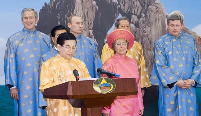 Michelle Bachelet: Nữ tổng thống quyền lực duy nhất ở châu Mỹ - Ảnh 11.