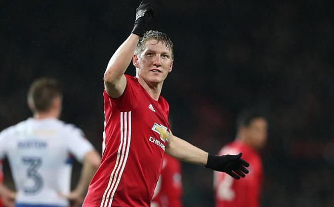 Không trách Mourinho, Schweinsteiger còn rộng rãi để lại cho Man United gần 300 tỉ