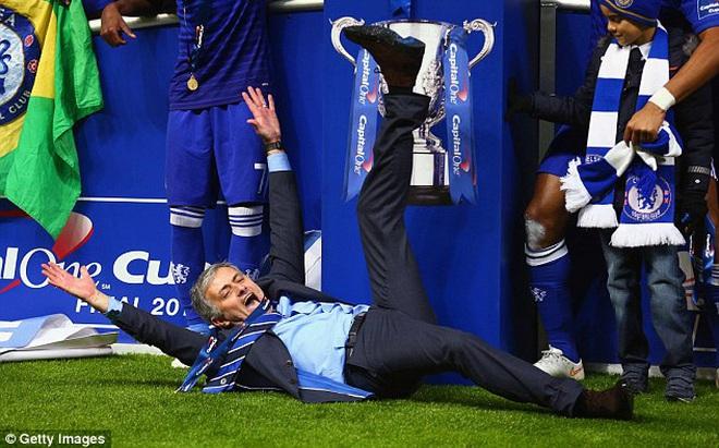 Mourinho đối diện với