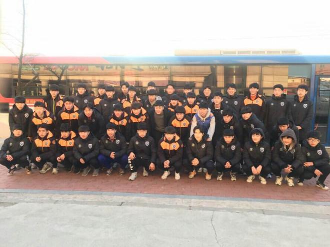 Xuân Trường vượt qua ải đầu ở Gangwon FC, tái ngộ người khai sáng Park Ji Sung - Ảnh 3.