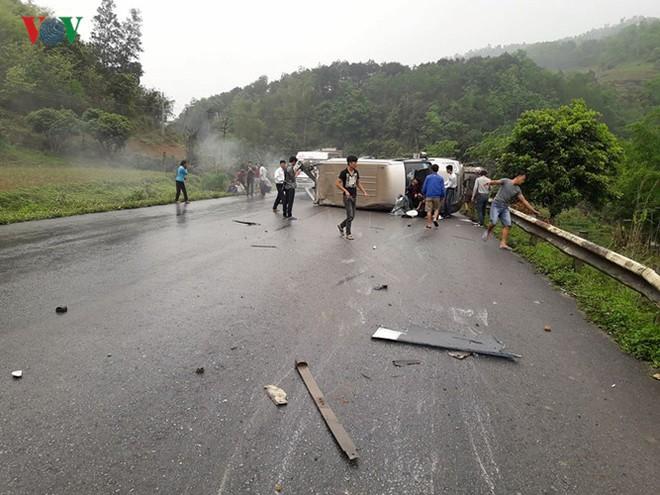 Ảnh: Hiện trường vụ tai nạn thảm khốc trên cầu Sài Hồ, Lạng Sơn - Ảnh 1.
