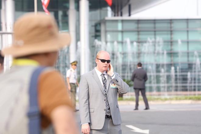 Mật vụ Mỹ đến sân bay, Air Force One sẵn sàng đưa tổng thống Trump rời Đà Nẵng ra Hà Nội 4