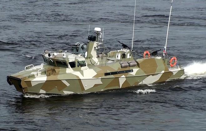 Việt Nam không cần xuồng cao tốc Raptor Nga khi đã có CQ-02 đặc chủng? - Ảnh 1.