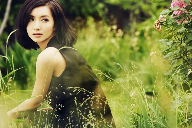 Vẻ đẹp vạn người mê ở tuổi 38 của diễn viên Như ý, Cát Tường - Ảnh 1.